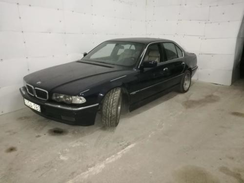 BMW E38 750 IA 2